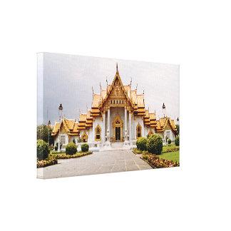 Templo de mármol del oro sobre el león del Khmer Lona Envuelta Para Galerías