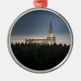templo de Utah de los lds de la montaña del Adorno Redondo Plateado