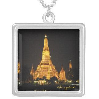 Templo de Wat Aroon en Bangkok Colgante Cuadrado