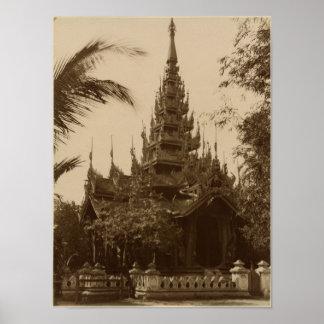Templo en Mandalay, Birmania, fin del siglo XIX Póster