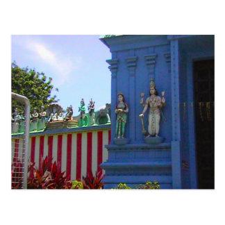 Templo hindú, gopuram adornado y fascade tarjeta postal