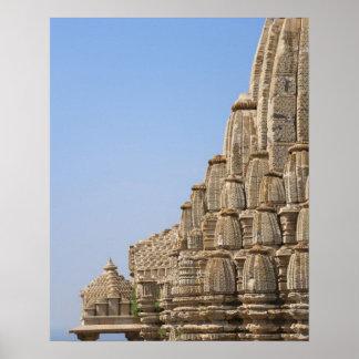 Templo Jain en el fuerte de Chittorgarh, la India Impresiones