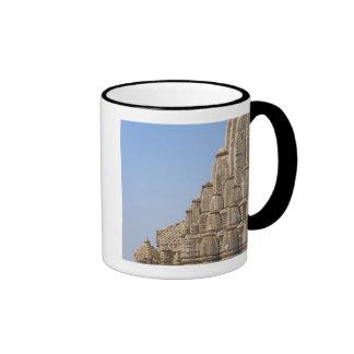 Templo Jain en el fuerte de Chittorgarh, la India Taza De Café