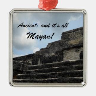Templo maya antiguo de dios del sol adornos