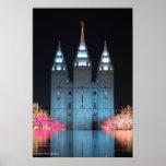Templo reflejado poster