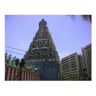 Templo viejo y nuevo, hindú y altos edificios de l postales