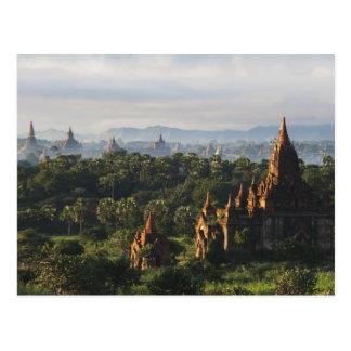 Templos en la salida del sol, Bagan, Myanmar Tarjetas Postales