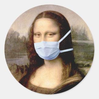 Temporada de gripe Mona Lisa con la máscara Pegatinas Redondas