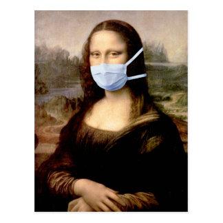 Temporada de gripe Mona Lisa con la máscara Tarjeta Postal
