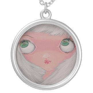 tempting round pendant necklace