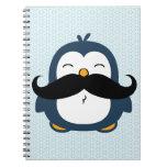 Tendencia del bigote del pingüino libreta espiral