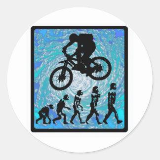 TENDENCIA ESCARPADA de la bici Etiquetas Redondas