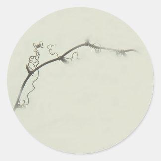Tendrils de la zarza en la niebla - Minimalism Pegatina Redonda