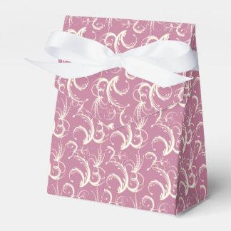 Tendrils del helecho en crema en color de rosa cajas para detalles de boda