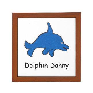 Tenedor de la pluma de Danny del delfín