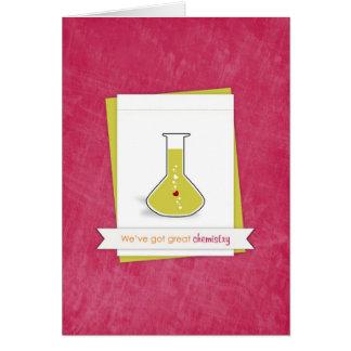 Tenemos gran química - tarjeta del amor y del roma