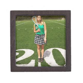 Tenencia del jugador del lacrosse de la High Caja De Recuerdo De Calidad
