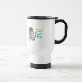 Tenga abrazos compartirá tazas de café