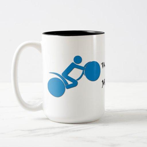Tenga cuidado para las motocicletas tazas de café