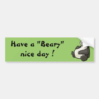 Tenga un día agradable beary etiqueta de parachoque