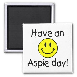 Tenga un día de Aspie (el smiley) Imán Cuadrado