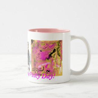 ¡Tenga un gran día rosado! Taza De Dos Tonos