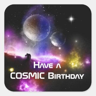 Tenga un pegatina cósmico del cumpleaños fijado