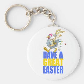 Tenga una gran Pascua, conejito que monta un pollo Llavero Redondo Tipo Pin