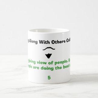 Tenga una opinión de perdón gente. Beli… Taza De Café