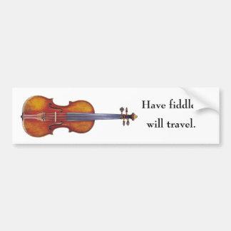 Tenga violín, viajará etiqueta de parachoque