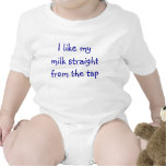 Tengo gusto de mi leche recta del golpecito traje de bebé