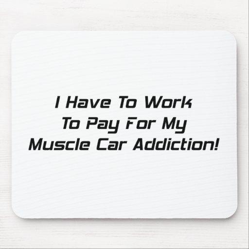 Tengo que trabajar para pagar mi apego del coche d tapetes de ratones