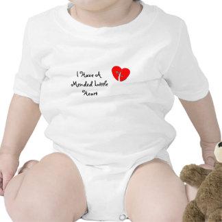 Tengo reparado poco corazón traje de bebé