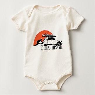 Tengo tener aversión general a este coche body para bebé