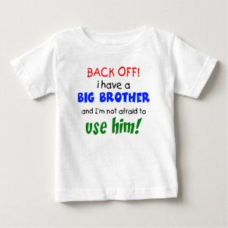 Tengo un hermano mayor camiseta