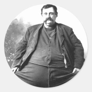 Tengo un hombre gordo del carnaval del de centro etiquetas redondas