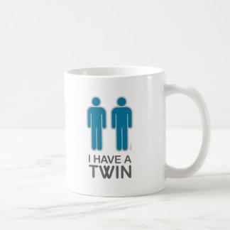 Tengo una taza (masculina) gemela