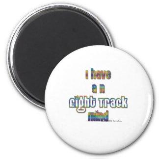 Tengo y la pista ocho Mente-Multicolora Iman