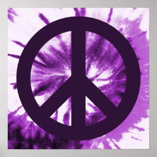 Teñido anudado púrpura con símbolo de paz póster