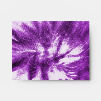 Teñido anudado púrpura con símbolo de paz sobres