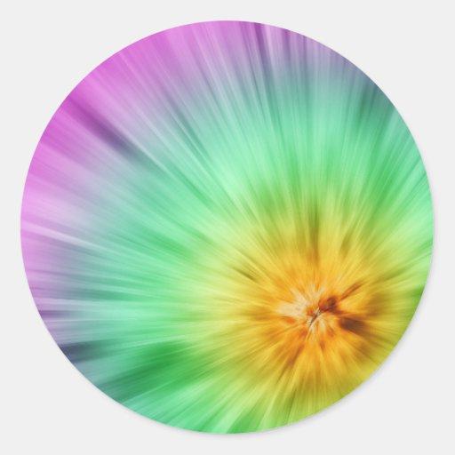 Teñido anudado verde y púrpura pegatina redonda