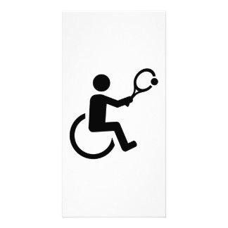 Tenis de la silla de ruedas tarjeta fotografica