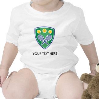 Tenis lindo para el bebé. Añada el nombre o las ci Camisetas
