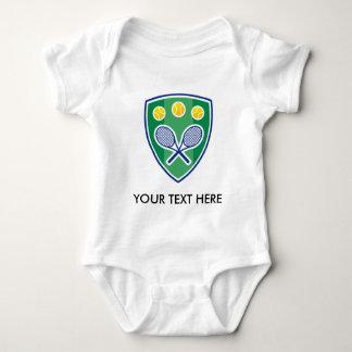 Tenis lindo para el bebé. Añada el nombre o las Poleras