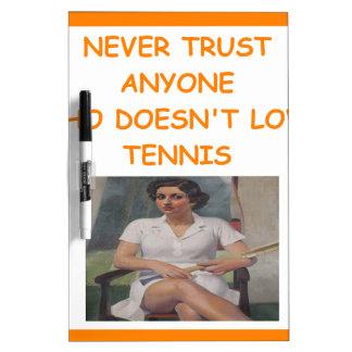tenis pizarra blanca
