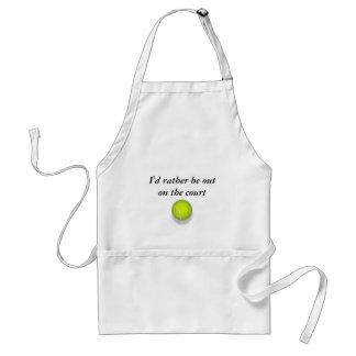 tennis_ball, estaría bastante hacia fuera en la co delantal