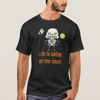 Tennis Halloween with skeleton and ball at court T T-Shirt