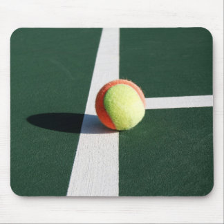 Tennis - On the line Mouse Pad