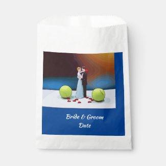 Tennis wedding bride and groom with tennis ball favor bag