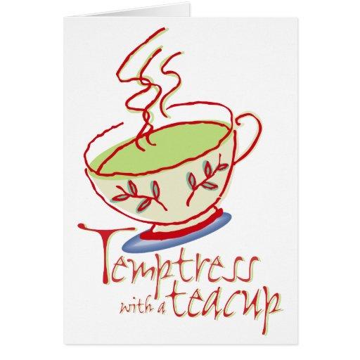 Tentadora con una tarjeta de la taza de té